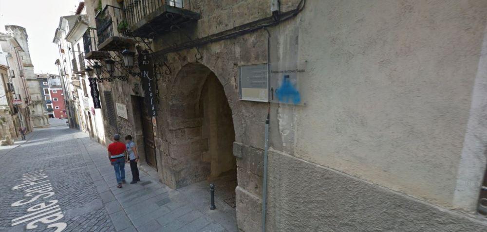 entrada pasadizo a plaza san nicolas apartamento turistico cuenca ciudad