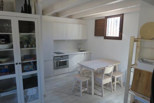 cocina apartamento turistico cuenca ciudad