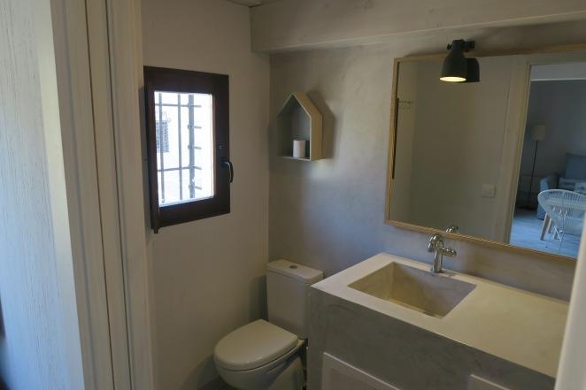 ventana baño apartamento turistico cuenca ciudad