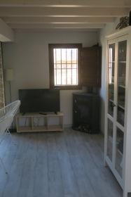 tele y chimenea apartamento turistico cuenca ciudad