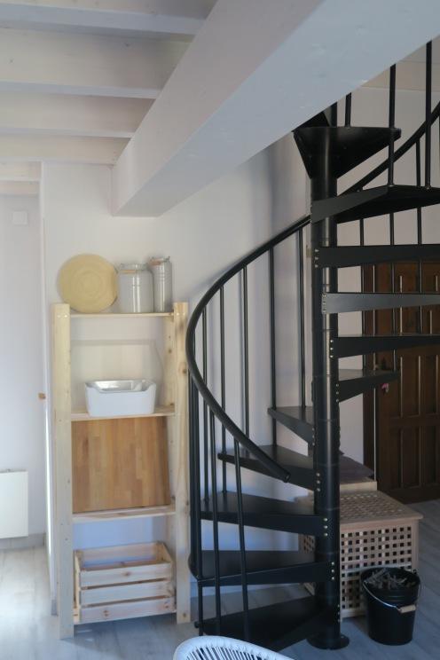 subida a habitaciones apartamento turistico cuenca ciudad