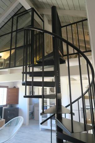 escalera caracol apartamento turistico cuenca ciudad