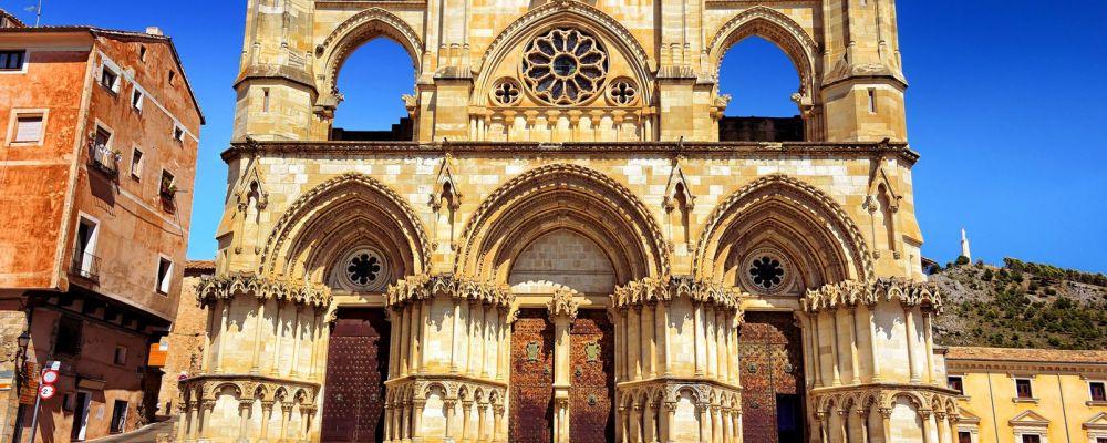 Catedral de Cuenca muy cerca del apartamento turistico mirando a cuenca